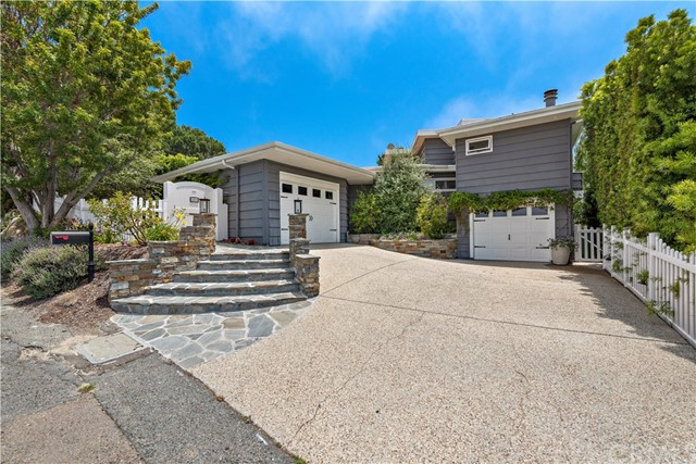 28. 2455 Temple Hills Drive Laguna Beach, CA 92651
