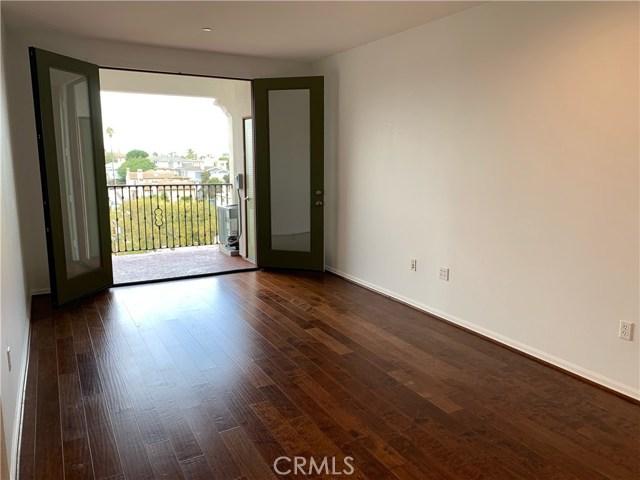 2001 Artesia Boulevard 212, Redondo Beach, California 90278, 1 Bedroom Bedrooms, ,1 BathroomBathrooms,For Sale,Artesia,SB20222813