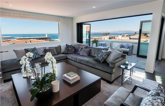 Photo of 2215 Bayview Drive, Manhattan Beach, CA 90266