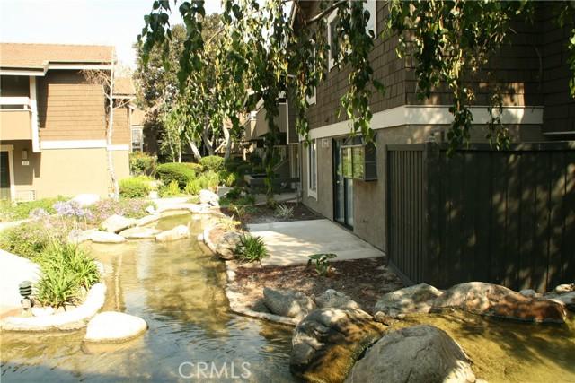 17. 27 Streamwood #27 Irvine, CA 92620