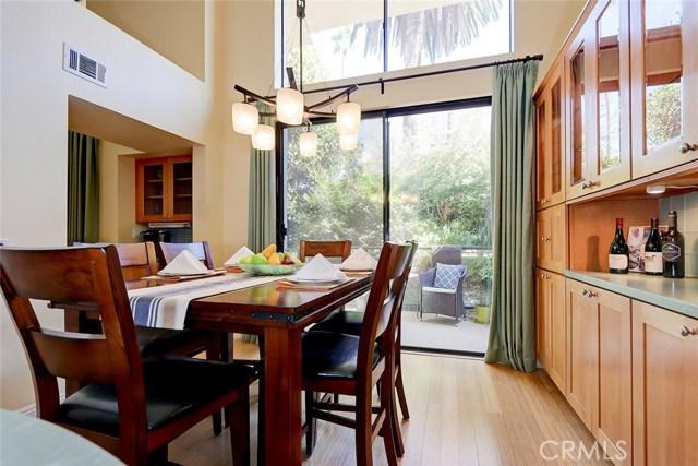 420 Esplanade 4, Redondo Beach, California 90277, 2 Bedrooms Bedrooms, ,2 BathroomsBathrooms,For Sale,Esplanade,SB19251456