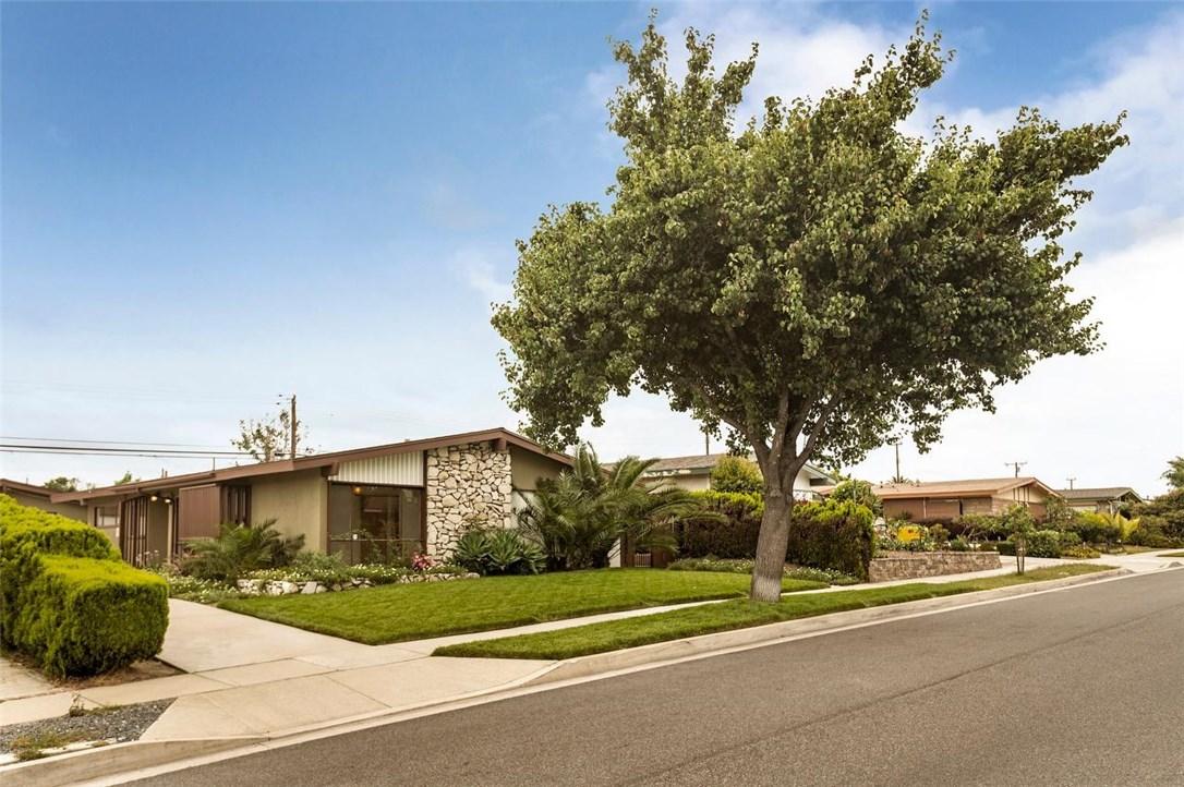 12821 Biola Avenue, La Mirada, CA 90638