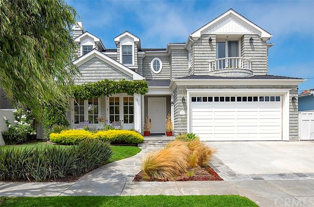 1641 18th Street, Manhattan Beach, California 90266, 5 Bedrooms Bedrooms, ,4 BathroomsBathrooms,For Sale,18th,SB20169732
