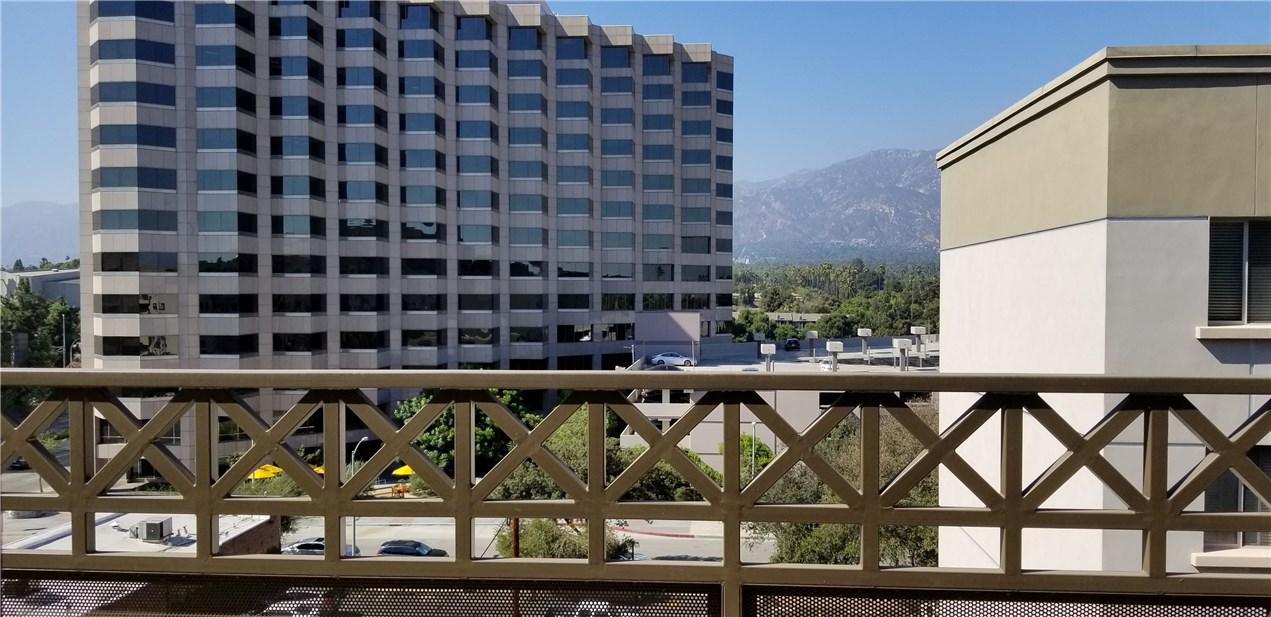 931 E Walnut St, Pasadena, CA 91106 Photo 21