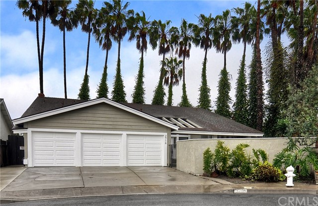 2716 SKYLARK Circle, Costa Mesa, CA 92626