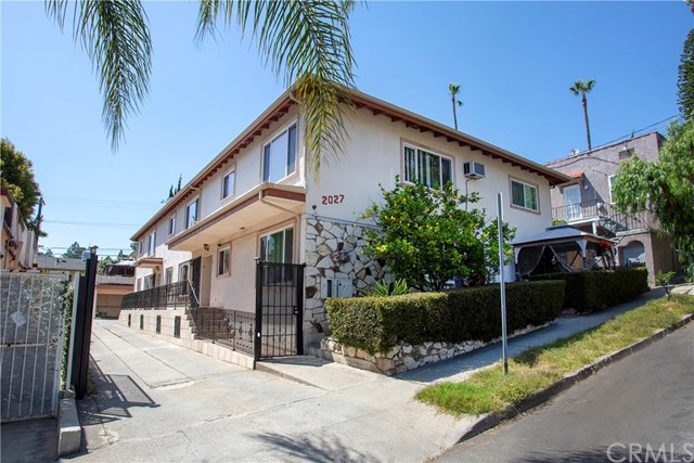 2027 Vista Del Mar Street, Los Angeles, CA 90068