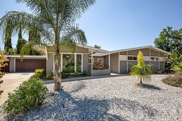 20320 Stanford Avenue, Riverside, CA 92507