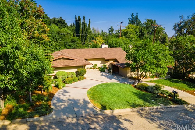 Photo of 2000 Liliano Drive, Sierra Madre, CA 91024
