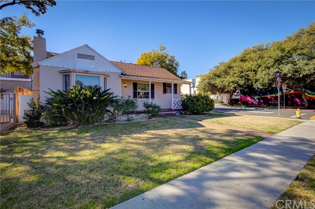 3745 Redwood Avenue, Los Angeles, CA 90066