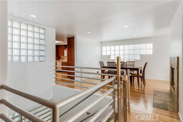 1639 Prospect Avenue, Hermosa Beach, California 90254, 3 Bedrooms Bedrooms, ,3 BathroomsBathrooms,For Sale,Prospect,PV20230727