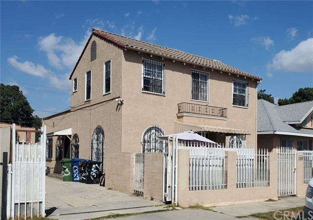 1351 W 37th Street, Los Angeles, CA 90007