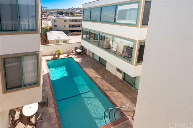 201 Calle Miramar 17, Redondo Beach, California 90277, 2 Bedrooms Bedrooms, ,2 BathroomsBathrooms,For Sale,Calle Miramar,SB21050038