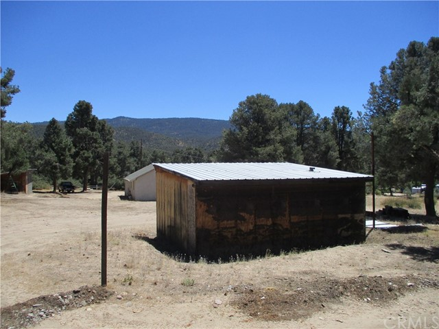 17507 Birch Tr, Frazier Park, CA 93225 Photo 3