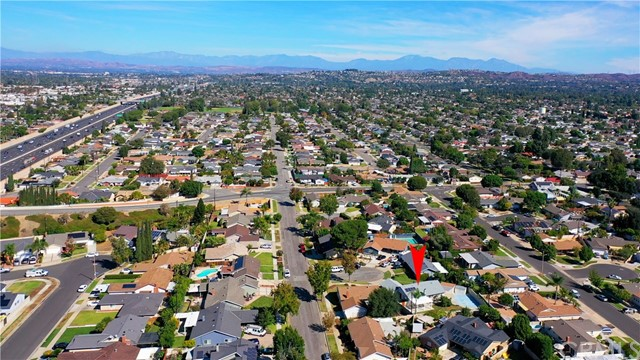 415 N Milford Road, Orange CA: https://media.crmls.org/medias/82875332-682c-4ee6-94cb-f9e03a53d5ed.jpg
