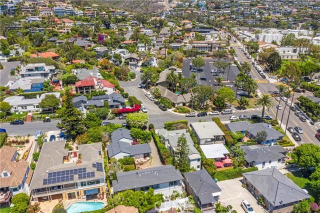 52. 575 Blumont Street Laguna Beach, CA 92651