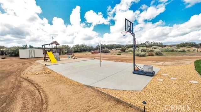10025 Ranchero Rd, Oak Hills, CA 92344 Photo 46