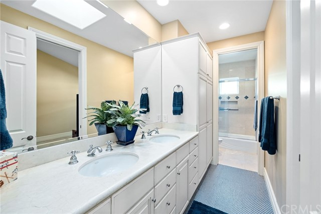 912 10th Street, Manhattan Beach, California 90266, 5 Bedrooms Bedrooms, ,4 BathroomsBathrooms,For Sale,10th,SB20168206