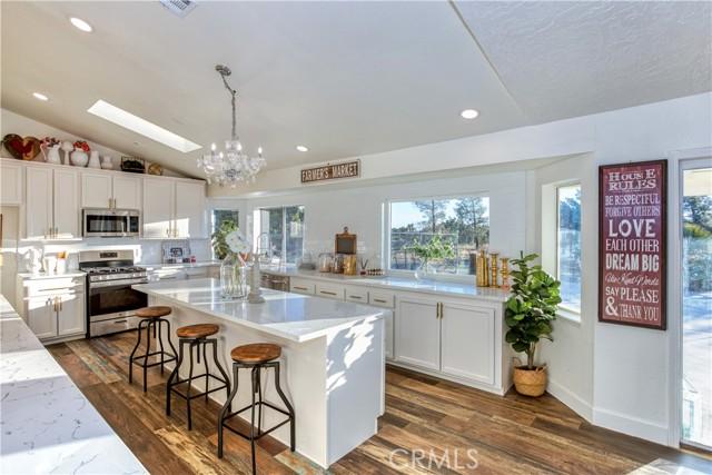 9175 Coleridge Rd, Oak Hills, CA 92344 Photo 7