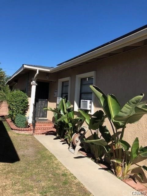 2851 E 69th Street, Long Beach, CA 90805