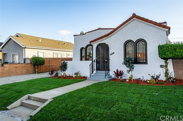 1832 W 69th Street, Los Angeles, CA 90047