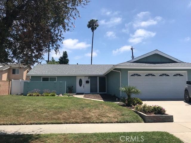 8832 Dolphin Dr., Huntington Beach, CA 92646