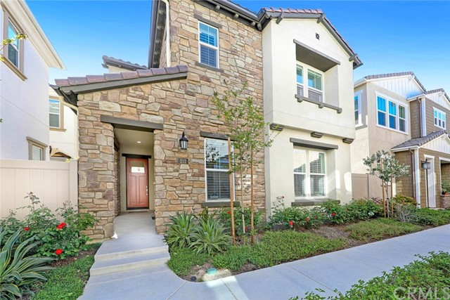 212 W Tribella Court, Santa Ana, CA 92703