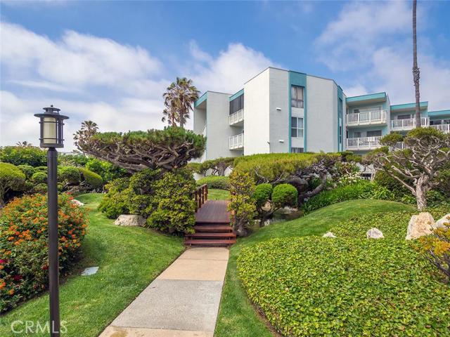 620 The Village 217, Redondo Beach, California 90277, 2 Bedrooms Bedrooms, ,2 BathroomsBathrooms,For Sale,The Village,SB16115505