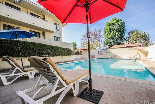 245 S Holliston Av, Pasadena, CA 91106 Photo 20