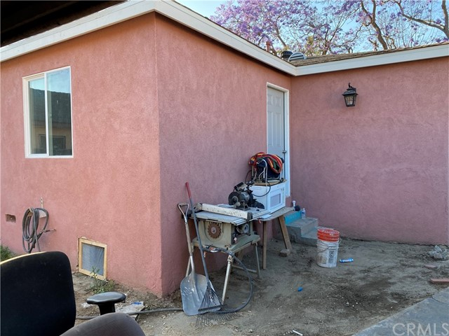 Image 8 of 132 E Caldwell St, Compton, CA 90220
