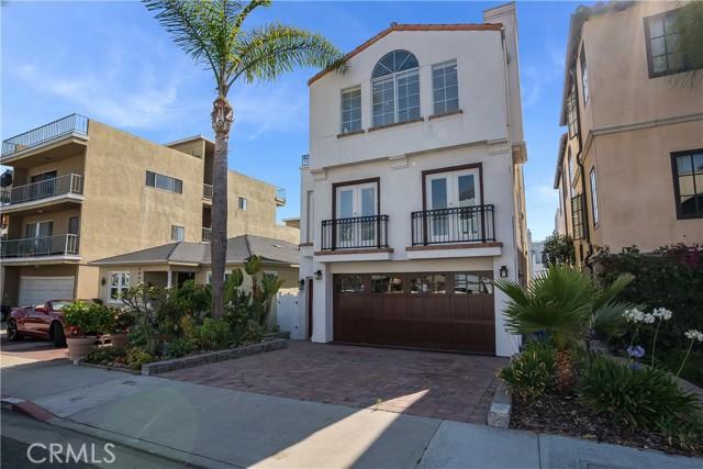 39. 341 Monterey Boulevard Hermosa Beach, CA 90254