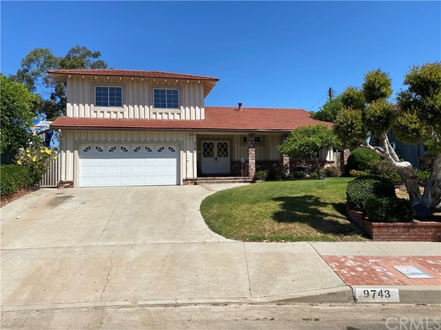 9743 Frankirst Avenue, North Hills, CA 91343