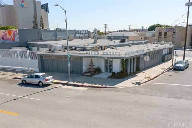 220 W 21st St is 2nd unit address, Apx. 5500sqft currently vacant warehouse. 2112 S Olive ST is apx. 6604sqft, banquet currently but may possible to open up to warehouse per owner. Opportunity Zone: Yes.  Builders welcome to buy to build new projects or SBA loan buyer, etc....  Hubzone:  Qualified,  state Enterprise Zone:  LOS ANGELES STATE ENTERPRISE ZONE, Zoning:  C2-2D-O-CPIO,  Zoning Information (ZI) : ZI-2488 Redevelopment Project Area: Council District 9, Zoning Information (ZI) : ZI-2374 State Enterprise Zone: Los Angeles,  Zoning Information (ZI) : ZI-2452 Transit Priority Area in the City of Los Angeles,  Zoning Information (ZI) : ZI-2483 Community Plan Implementation Overlay: Southeast Los Angeles,  Zoning Information (ZI) : ZI-1231 Specific Plan: South Los Angeles Alcohol Sales,