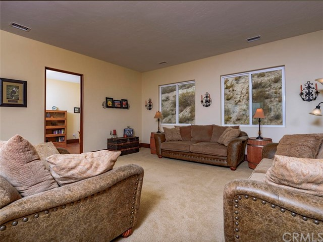 42251 Altanos Rd, Temecula, CA 92592 Photo 16