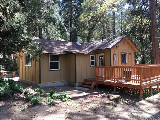 40323 Valley Of The Falls Drive, Forest Falls, CA 92339