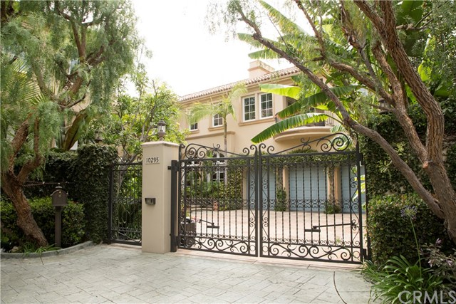 10295 Century Woods Drive, Los Angeles, CA 90067