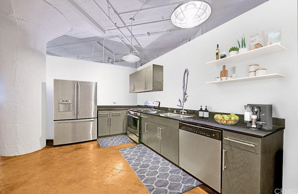 Kitchen (virtually staged)
