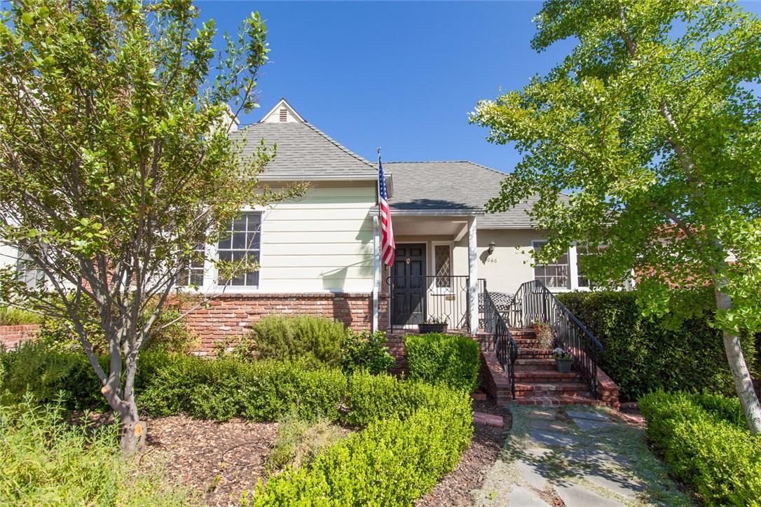 1046 E Walnut Avenue, Burbank, CA 91501