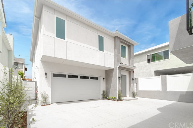 2517 Voorhees Avenue B, Redondo Beach, California 90278, 4 Bedrooms Bedrooms, ,2 BathroomsBathrooms,For Sale,Voorhees,SB20153697