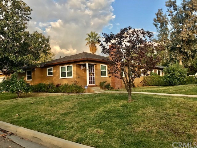 361 W Bennett Avenue, Glendora, CA 91741