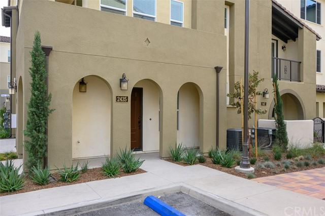 2435 South Tapestry Way, Anaheim, CA 92802