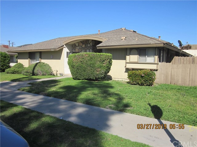 BEAUTIFUL 4 PLEX LOCATED IN THE HEART OF ANAHEIM.  EACH UNIT HAS ITS OWN HOOK UP FOR WASHER/DRYER.  2 LARGE BEDROOMS AND 2 FULL BATHROOMS. FIREPLACE, CENTRAL AIR, TITLE FLOOR.  LARGE KITCHEN, PATIO AND EACH HAS ITS OWN ENCLOSED GARAGE.  CONVENIENT LOCATION AND AMENITIES.