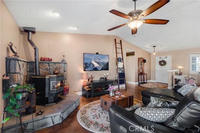 10260 Whitehaven St, Oak Hills, CA 92344 Photo 18