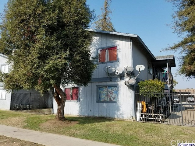 630 E Houston Avenue, Visalia, CA 93292