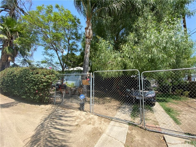 1637 Garden Dr, San Bernardino, CA 92404