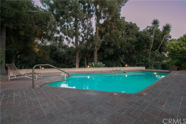 4176 Oak Hollow Road, Claremont, CA 91711