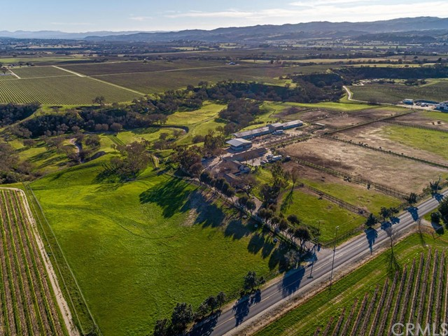 1880 Wellsona Road, Paso Robles, CA 93446