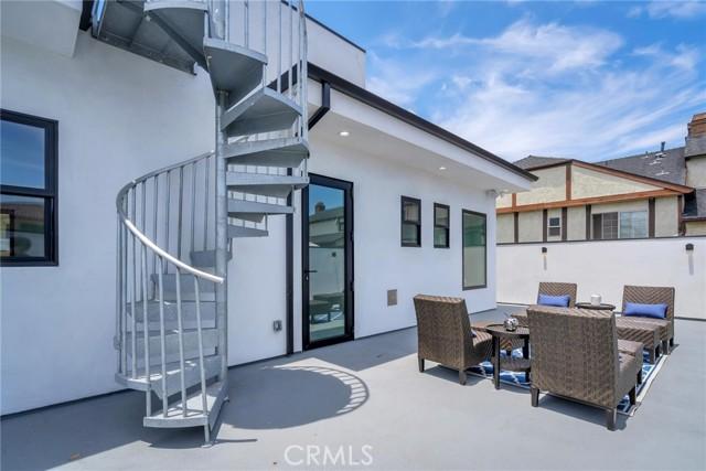 34. 242 S Broadway Redondo Beach, CA 90277