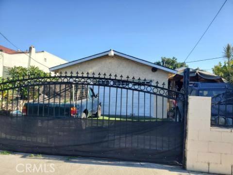 814 W Poplar Street, Compton, CA 90220