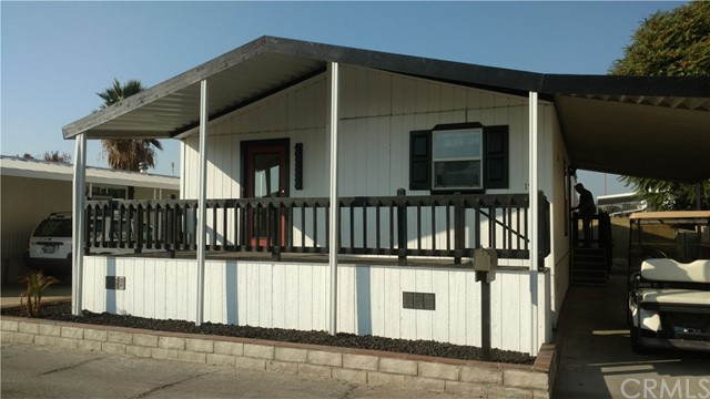 530 W Devonshire Avenue 17, Hemet, CA 92543