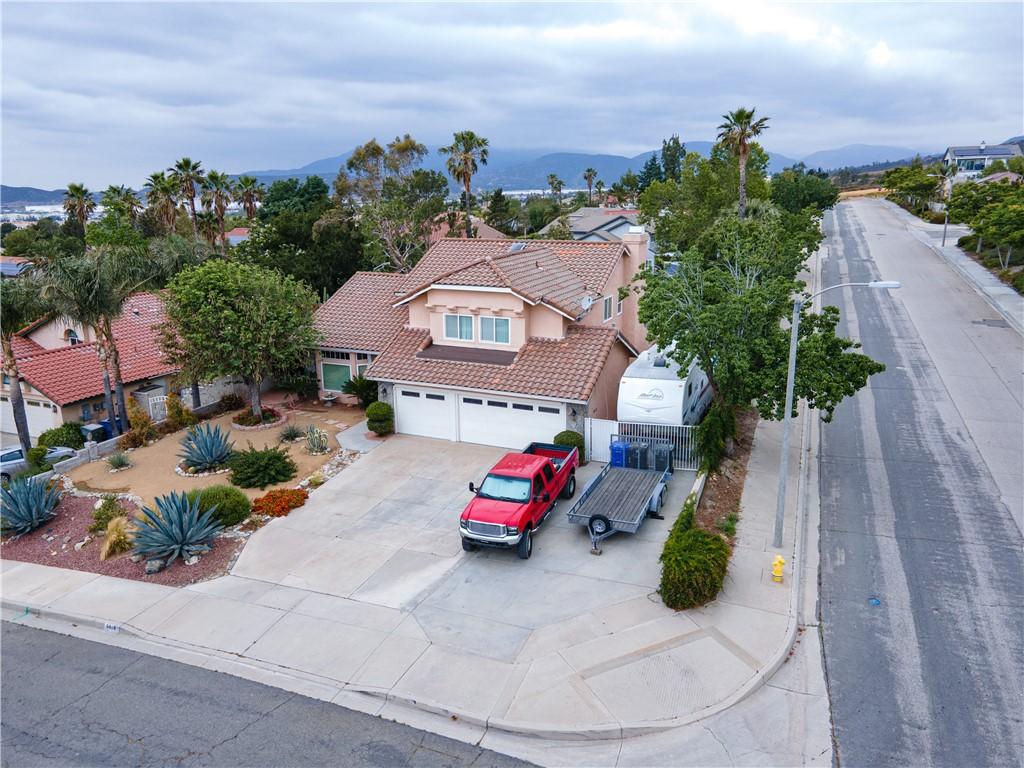42. 6816 Huntington Drive San Bernardino, CA 92407